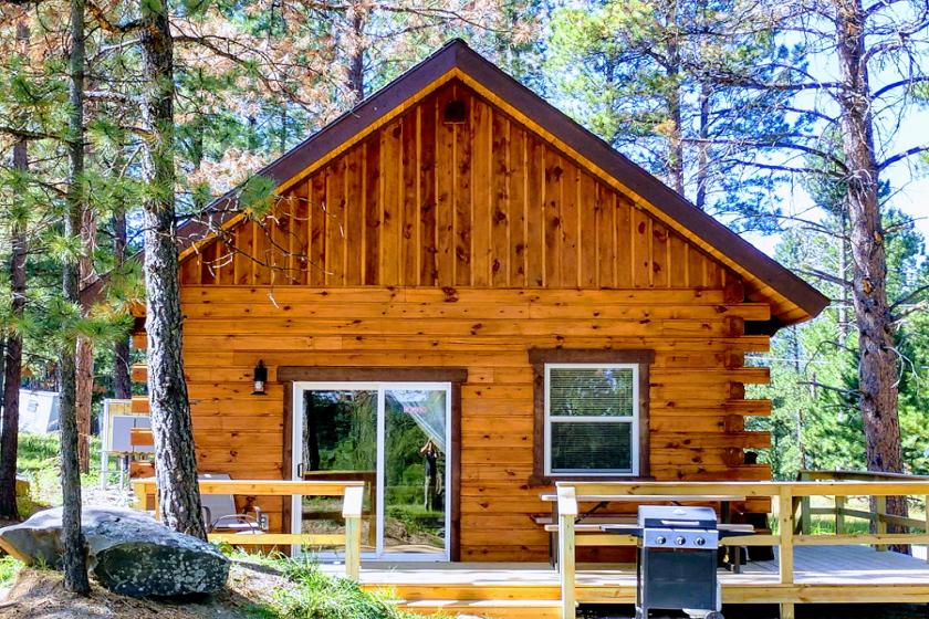 Buck Haven Cabin 1  - Freedom Ridge Cabins - Hill City SD