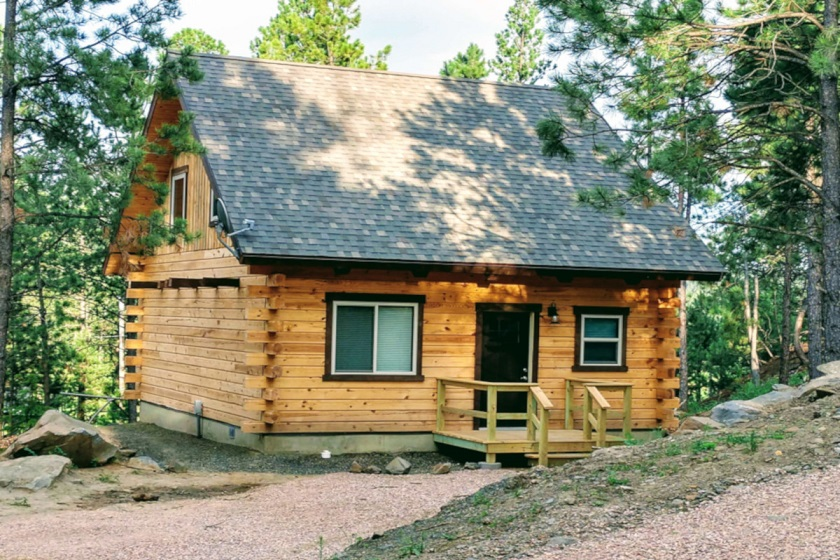 Pronghorn Point Cabin 3 - Freedom Ridge Cabins - Hill City SD