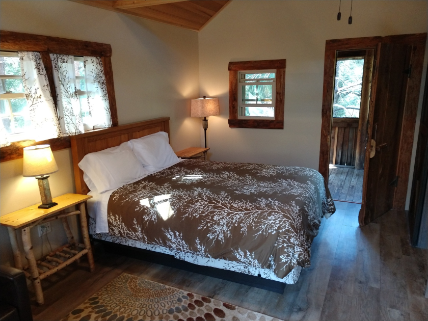 Spruce Cabin at Rim Rock Lodge - Spearfish Canyon SD
