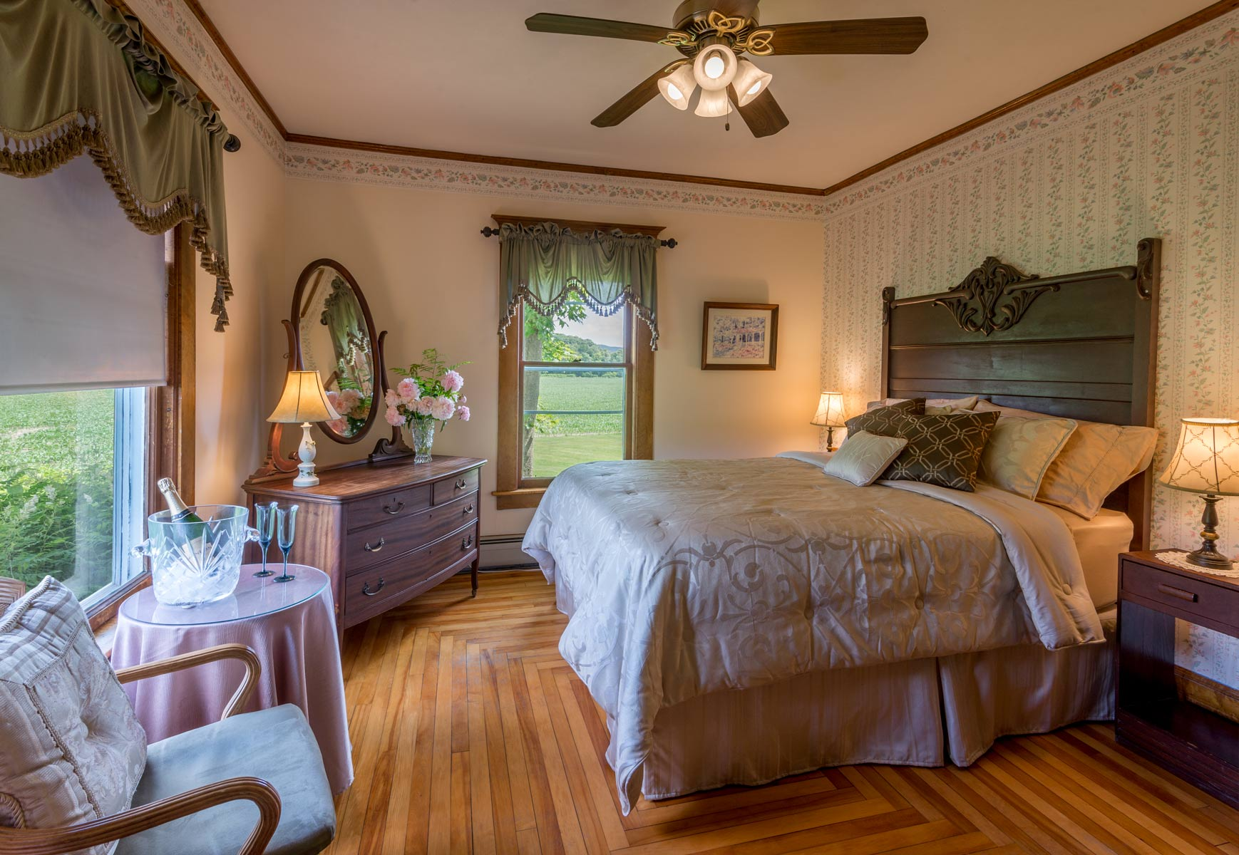 Peachy Ridgeway Room