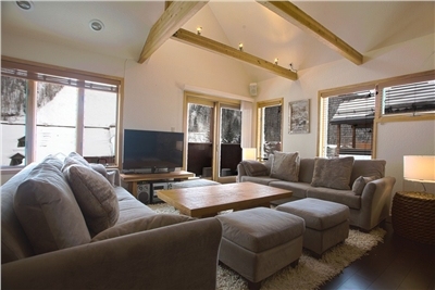 Open Floor Plan - Views of Lift 7 - Plush Couches and Ottomons for Entertaining