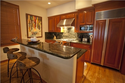 530 Pacific Street - Newly Remodeled - Fully Equipped Kitchen - Breakfast Bar