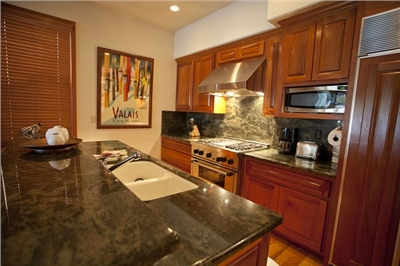 Fully Equipped Kitchen - Granite Countertops - Stainless Steel Appliances