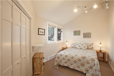 2nd Bedroom - Queen Sized Bed - Large Closet