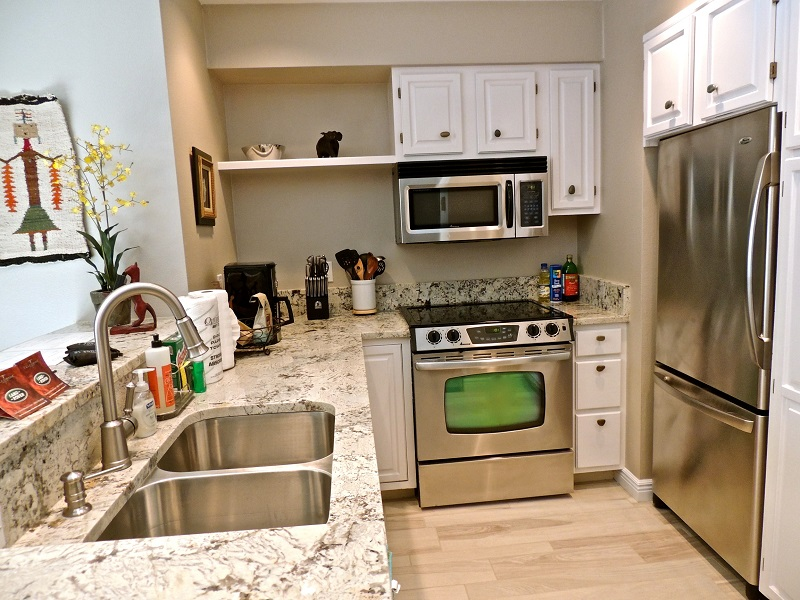 Fully furnished kitchen - stainless steel appliances