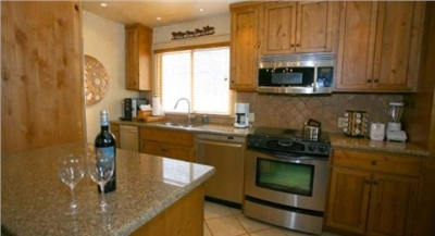 Fully Equipped Kitchen - High-End Stainless Steel Appliances