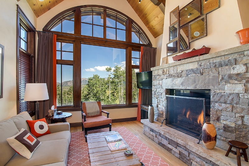 Courcheval E - Great room with impressive mountain views, gas fireplace