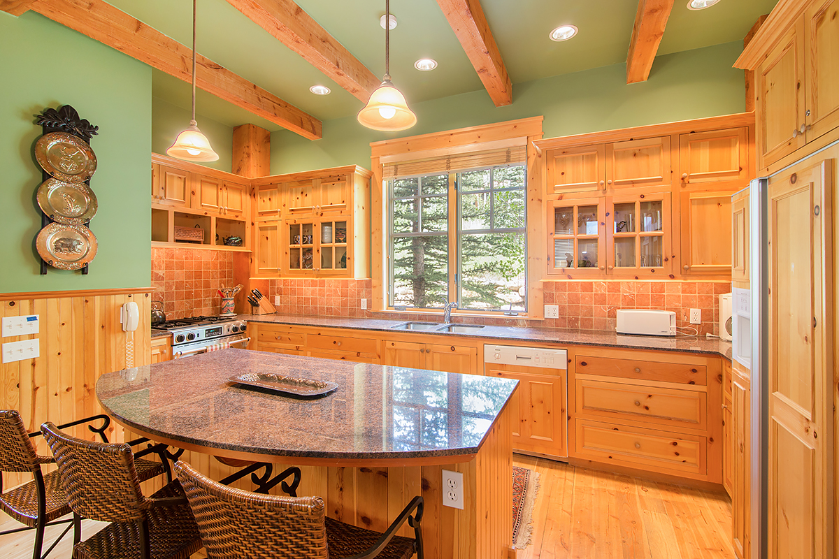215 Double Eagle - Gourmet kitchen, fully equipped