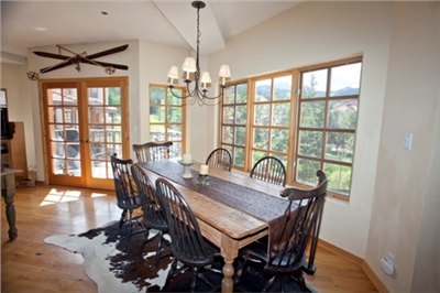 Dining Area - Seating for 7