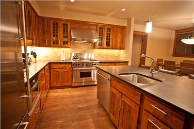 Gourmet Kitchen - Sub Zero - Viking- Granite Counters - Fully Equipped