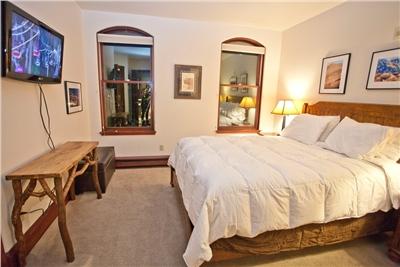 Ballard 303 South - Master Bedroom - King Bed - Flat Panel TV