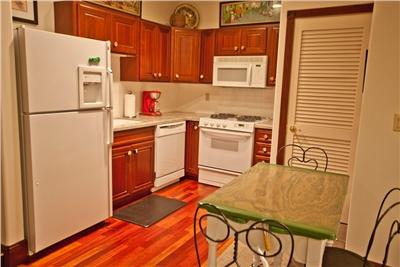 Ballard 303 South - Full Kitchen
