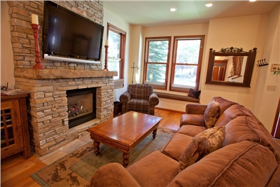 Living Area - High Definition Flat Panel TV - Gas Fireplace