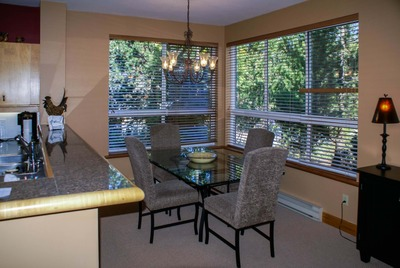 Dining area Whistler Alpine Greens holiday accommodation