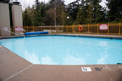 Communal outdoor swimming pool Whistler Blackcomb Marquise rentals