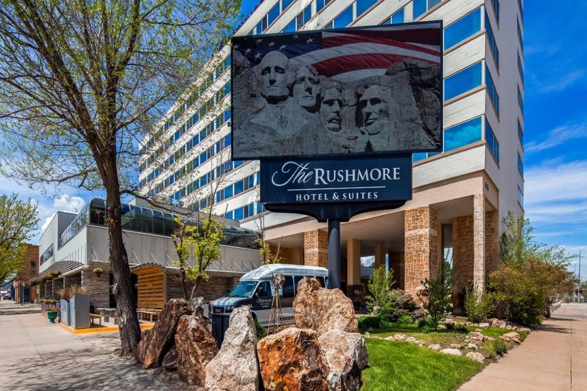 The Rushmore Hotel & Suites