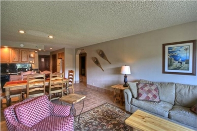 Suite #321-323 Sleeps 4 - 6