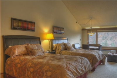 Tamarron Lodge Room - Studio Condo with 2 Queens + Sleeper Sofa