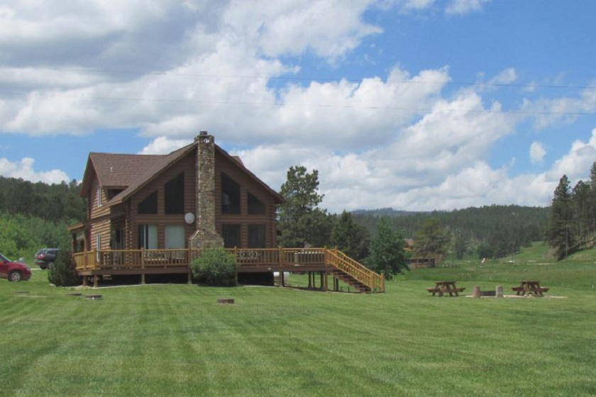 High Country Guest Ranch - Hill City SD