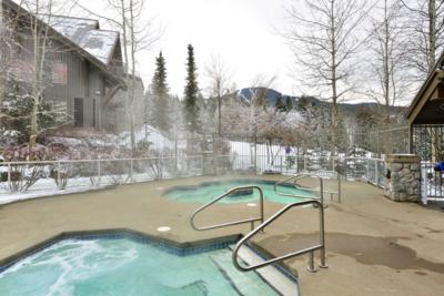 Aspens lodge: common hot tubs (3 total)