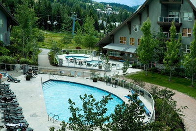 Aspens Courtyard with Pool, 3 Hot Tubs and Ski Hill Access