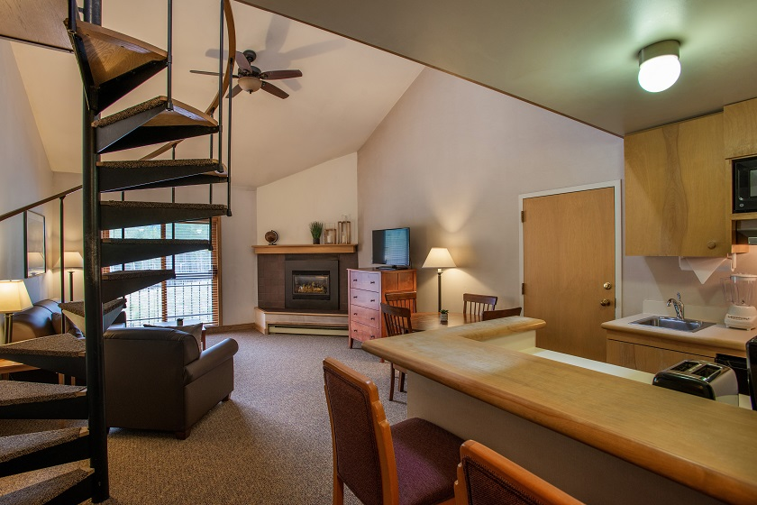 Lofted Studio with Gas Fireplace and Kitchenette