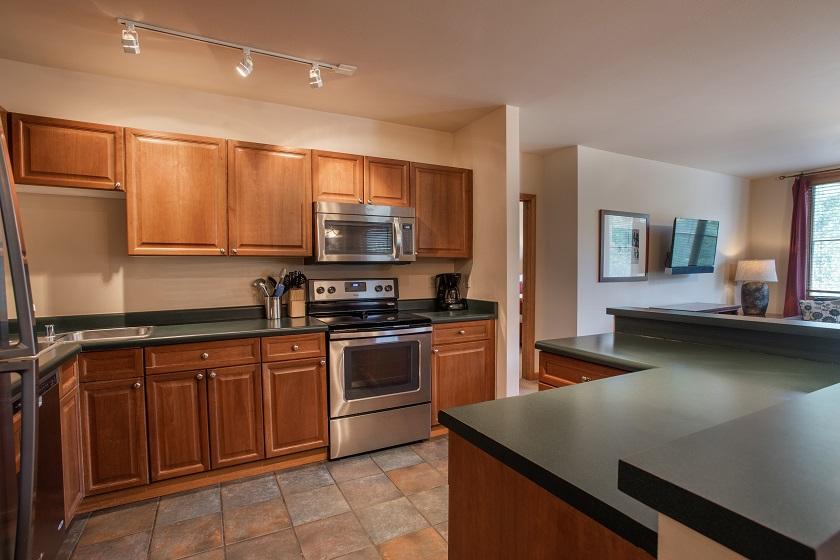 3 Bedroom Silver Kitchen