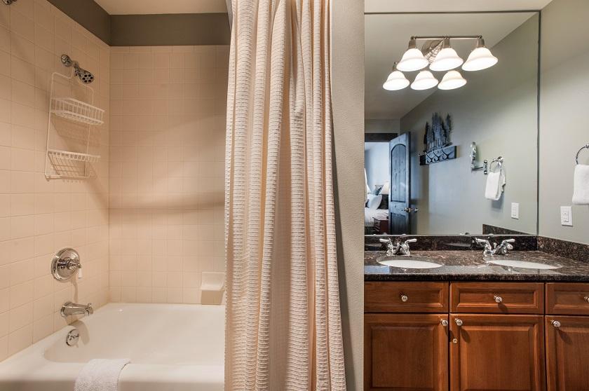 Platinum Master Bathroom