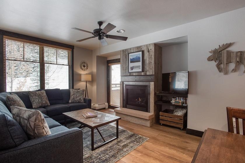 Platinum Living Room with Balcony