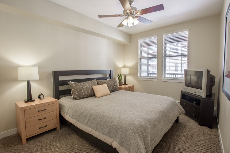 Sample Bedroom (Layout & Bedding May Vary)