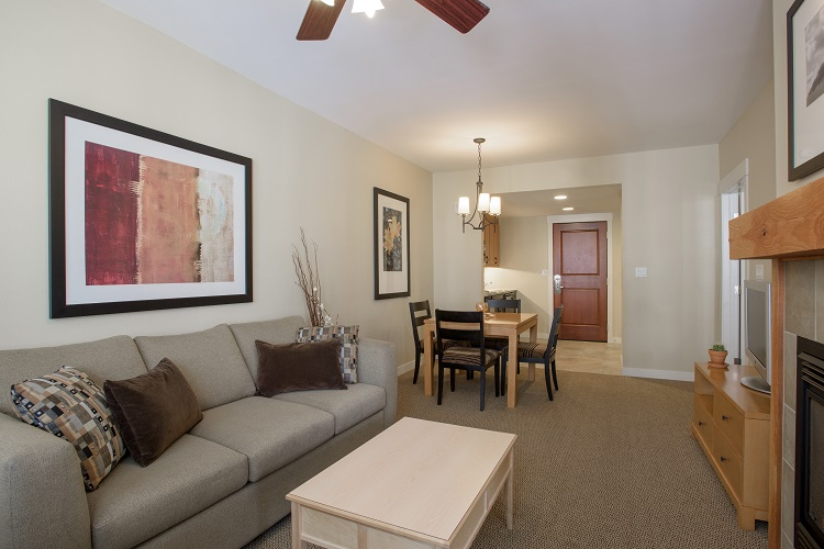 Sample Living Room & Dining Room (Layout May Vary)