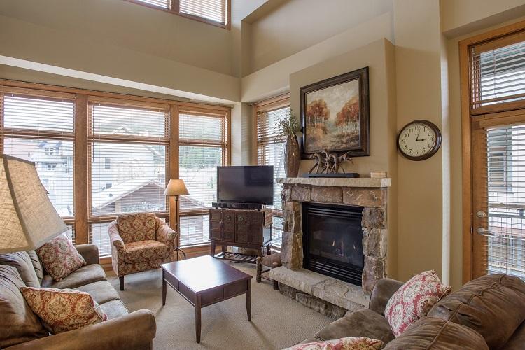 Sample Gold Living Room (Layout May Vary)