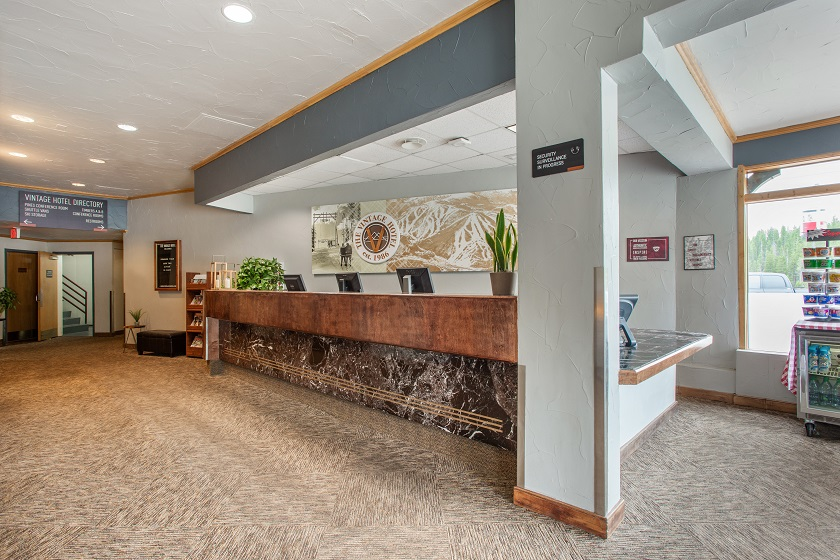 Front Desk/Lobby (Check-In)