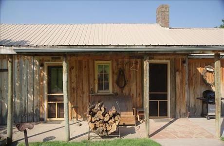 Ghost Canyon Ranch Bunkhouse - Custer SD