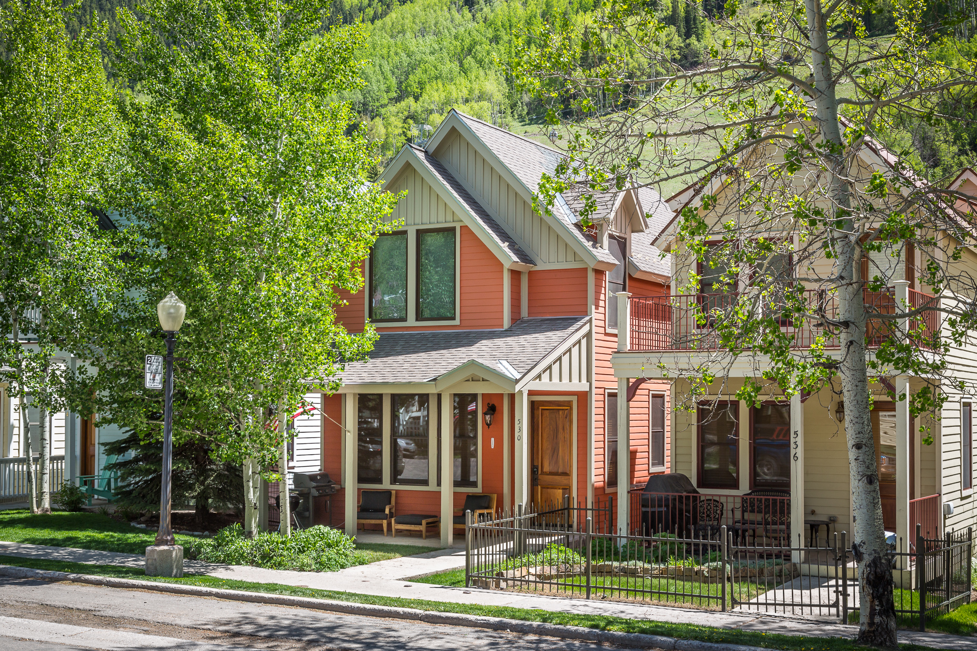 530 West Pacific - 3 Bd, 3.5 Ba - Sleeps 6 - Deluxe Townhome