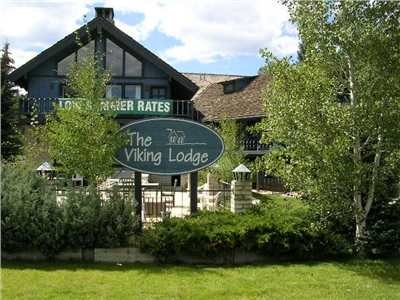 The Viking Lodge-Summer Exterior