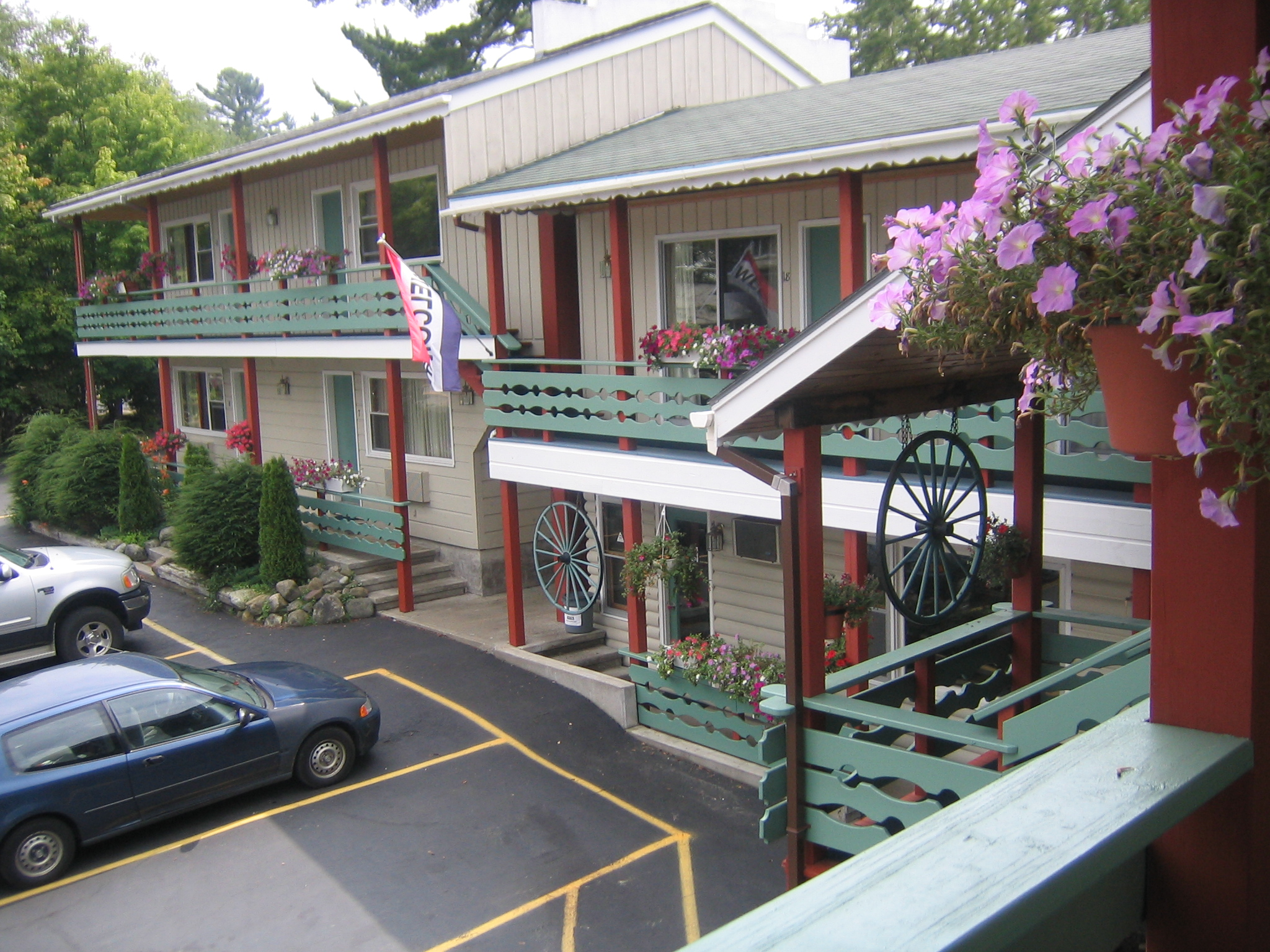 Summer at Town & Country Motor Inn