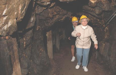 Big Thunder Gold Mine Tours - Keystone SD