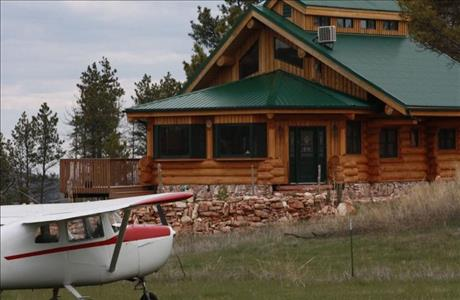 Sojourner Vacation Rentals Flyway Log Home - Hot Springs SD