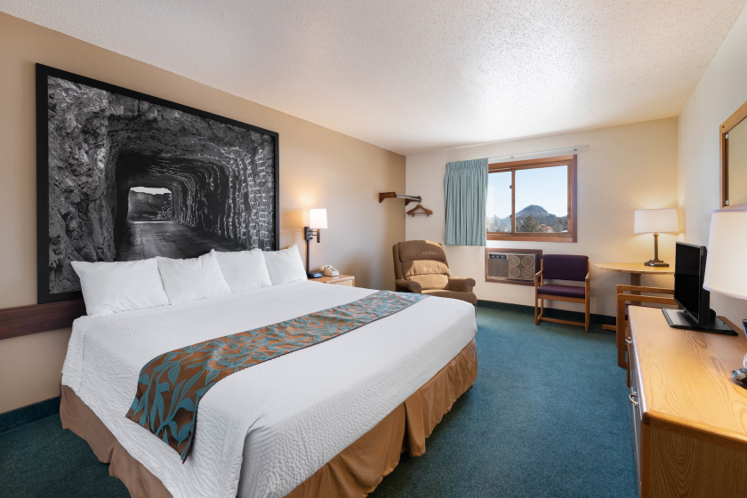 Super 8 Guest Room - Hill City SD