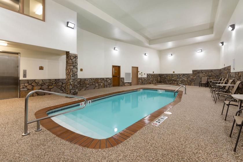 Super 8 Pool Area - Hill City SD