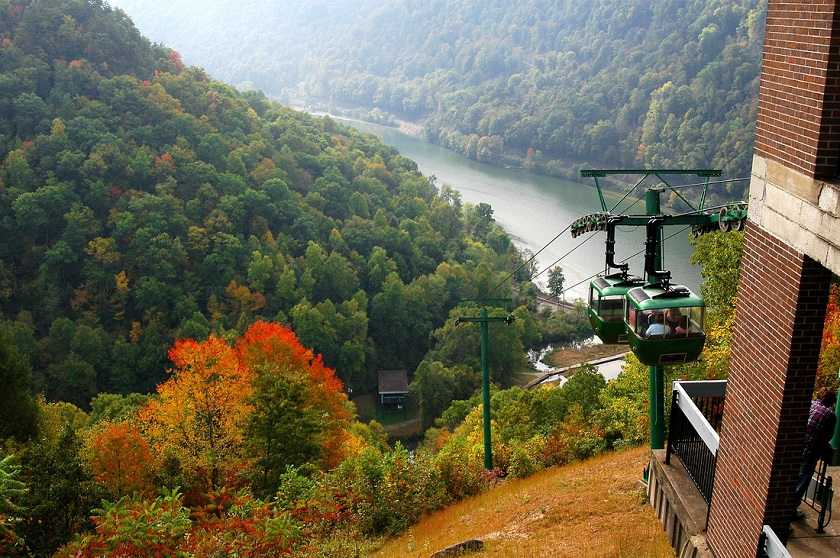 Hawks Nest Aerial Tramway into New River Gorge