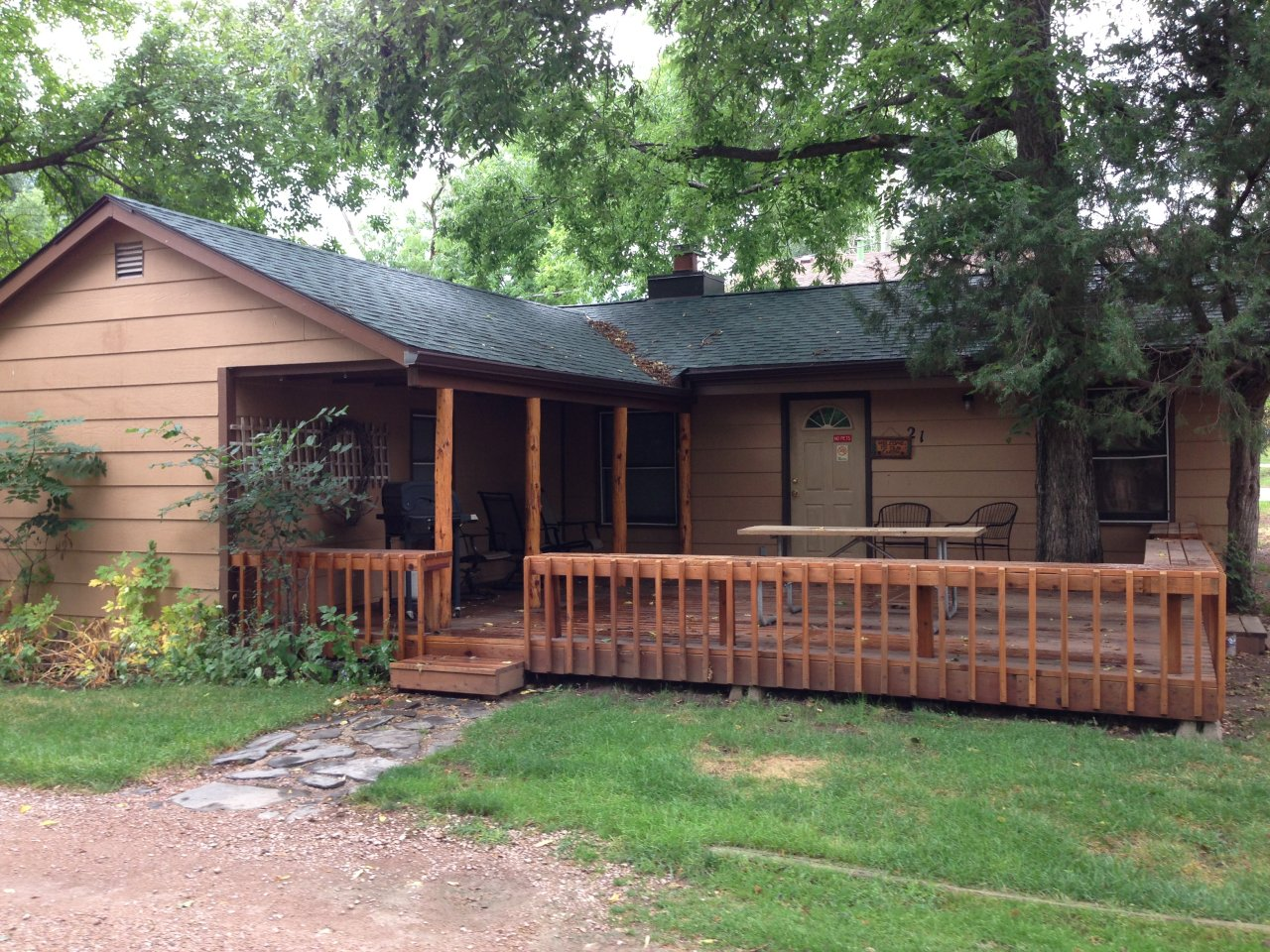 Lake Park 3 Bedroom Cottage - Rapid City SD