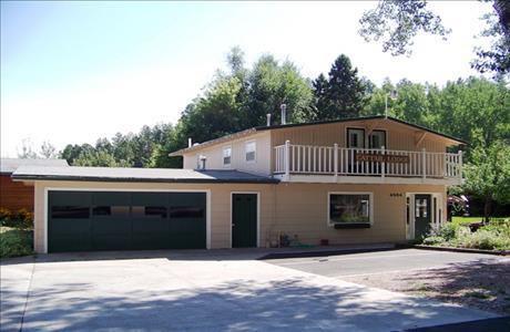 Canyon Lake Resort Cattail Lodge - Rapid City SD