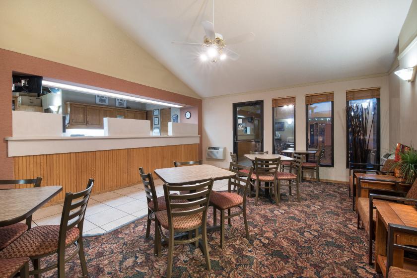 super 8 lacrosse motel rapid city sd. Black Bedroom Furniture Sets. Home Design Ideas