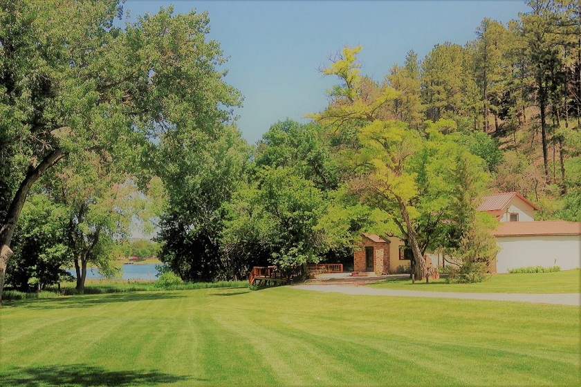 Lake View Lodge and Bunkhouse , Rapid City, SD