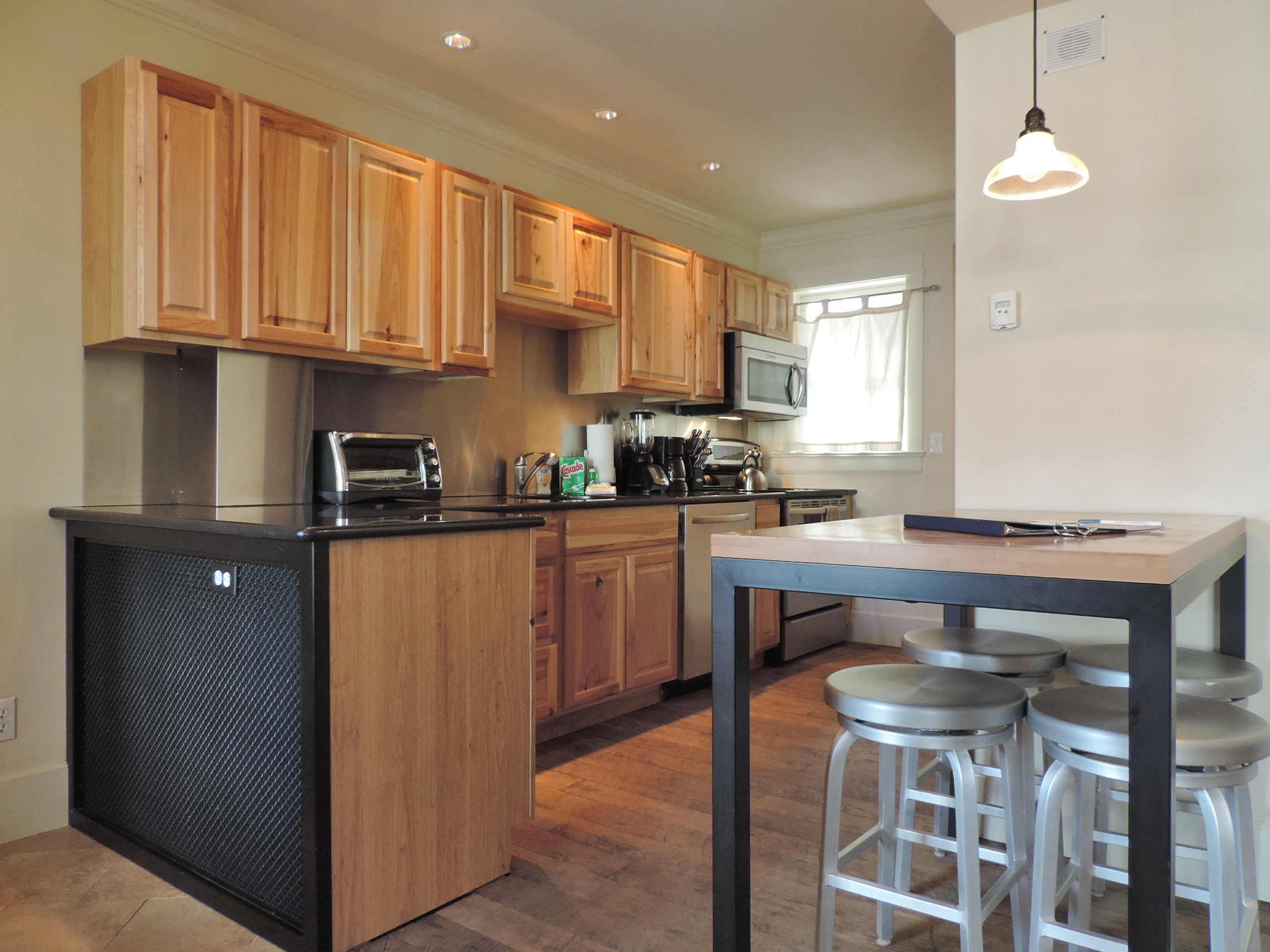 Montana Placer Inn Unit 1 - 1 Bd/1 Ba Condo, Sleeps 5 - Fully Equipped Kitchen