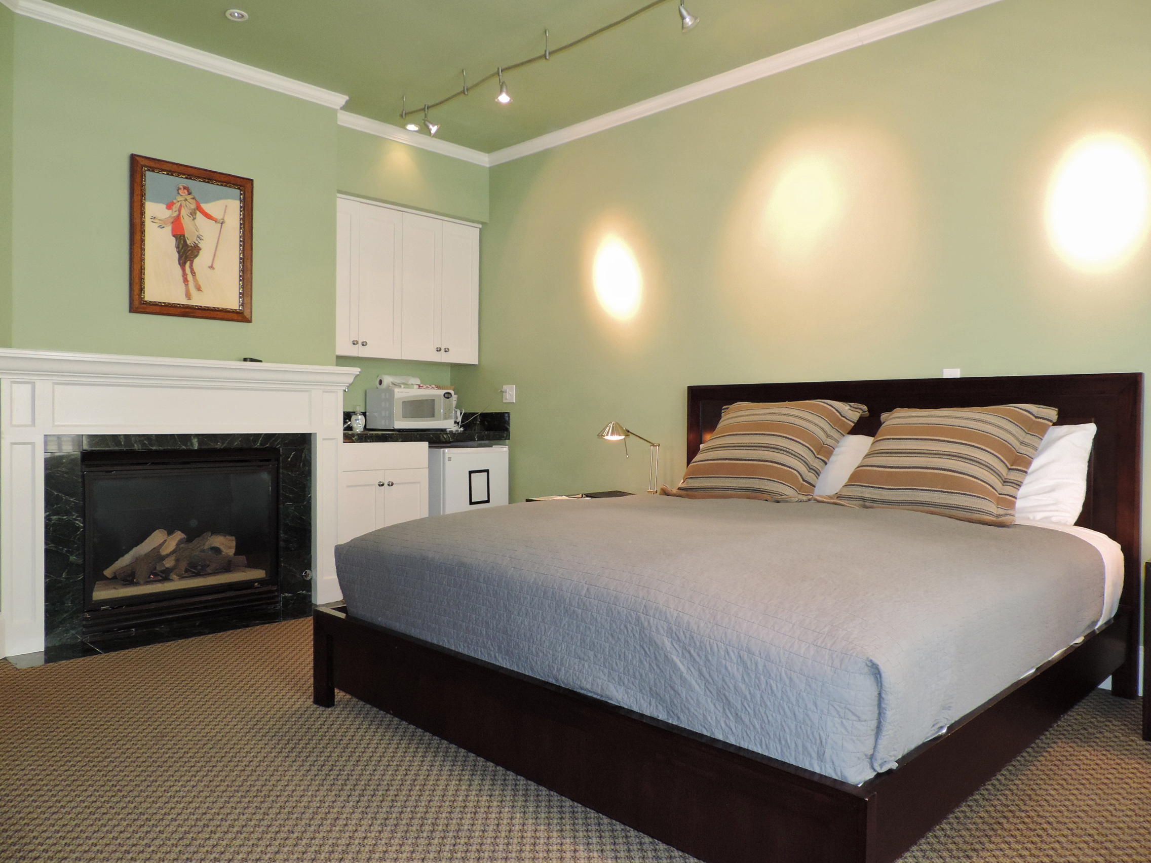 Montana Placer Inn - Room 2 - King Bed and Private Bathroom