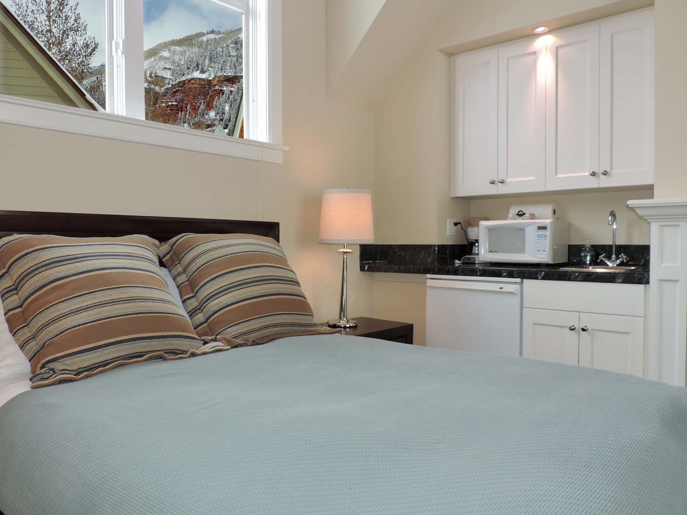 Montana Placer Inn - Room 5 - Queen Bed and Private Bath