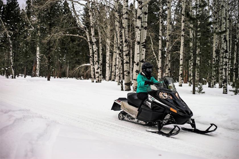Trailshead Lodge Cabins On Snowmobile Trail 1 Near Lead